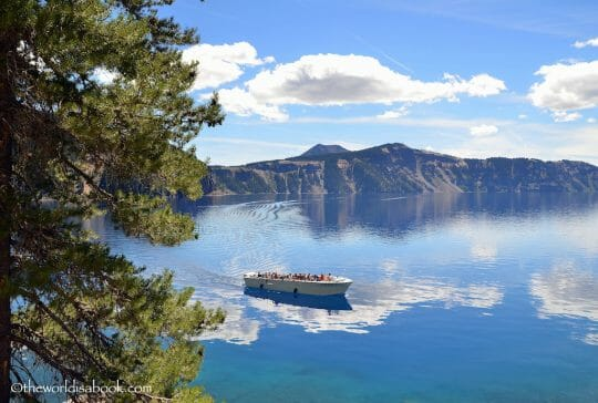 Crater-Lake-Volcano-cruise