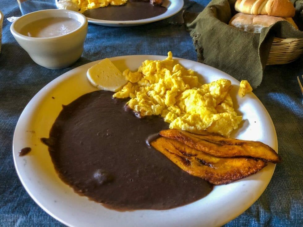 The best No Frills Guatemalan Restaurant for Desayuno in Antigua