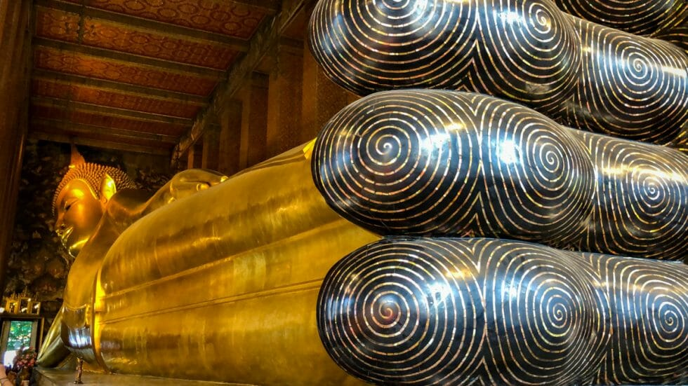 The reclining buddha in bangkok with kids