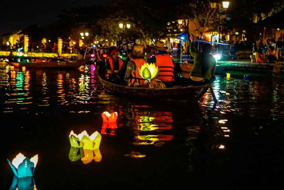 Ways to enjoy seeing Hoi An Lanterns